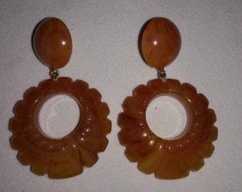 Lucite Caramel Dangle Vintage Clip On Earrings