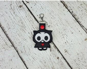 Skelli Owl Keychain/Zipper Pull