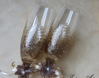Hand painted wedding glasses, champagne flutes, rustic wedding, boho wedding, country, painted crochet, lace glasses, couple gift, set of 2
