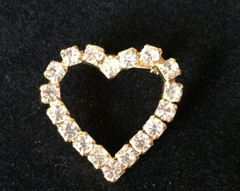 Pretty Vintage Heart Outline Brooch Featuring Clear Rhinestones