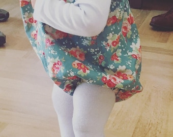 Green Roses jumper, baby ootd, baby jumpers, girl dress, jumpers, macacão, baby fashion, fofo, baby bloomers, jardineiras