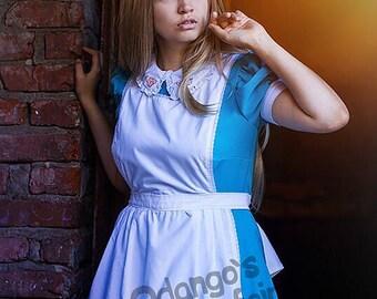 Alice in Wonderland cosplay costume cute dress