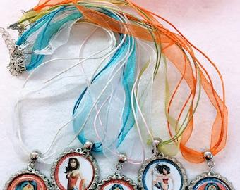 10 Pcs Woman Wonder  Organza necklace party favors,