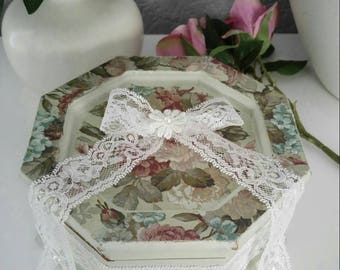 Vintage wood jewellery box shabby chic style hand painted pale green with decoupage and lace