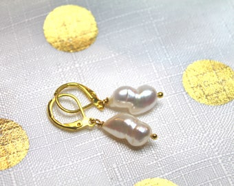 Freshwater baroque pearl earings