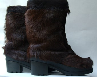 FUR boots EUR 38/UK 5/6, brown color, 1990's vintage, small heel, mid length, women's snow boots
