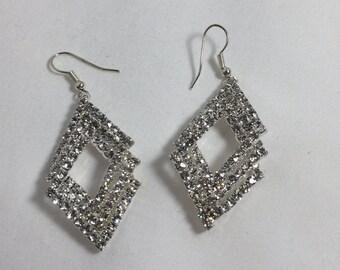 Simple Elegant Dangling Earring Fashion Statement Jewelry Indian Jewelry