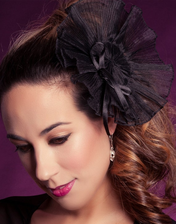 Black pleated fascinator Style Crystal Sample sale Gothic neovictorian fascinator Evening hairpiece Formal wear accessories New years eve