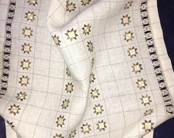 Tablecloth sfilature e punti piatti
