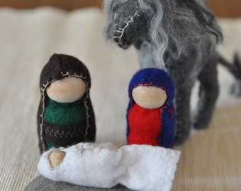 Waldorf-inspired, Handcrafted Christmas Nativity Set, Holy Family Creche, Felt and Wood Peg People Figures