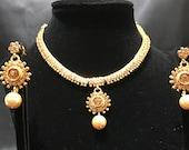 Kundan Jewelry - Indian Statement Set - Indian Gold Jewelry - Wedding Jewelry - Pearl Jewelry - Fashion Jewelry - Statement Jewelry -  Moti