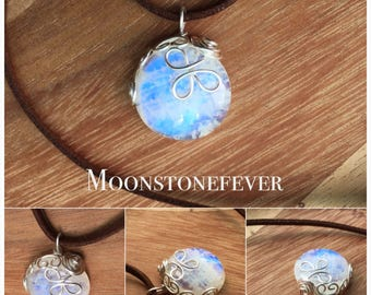 Wire Wrapped Natural Blue Rainbow Moonstone Pendant - Cottage - Blueberry - Country Style