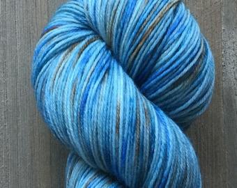 Hand Dyed Yarn, Hand Dyed Fingering Sock Yarn, 4ply Yarn, 75/25 Superwash Merino Nylon Yarn, Forget Me Not Hand Dyed on Gentle Sock Yarn