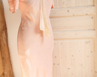 Lovely vintage handmade French fine apricot peach silk dress with lace