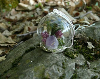 "Pendant ""CYRAENEUS"" with real Amethyst, Terrarium Pendant, Real Moss, Crystal Necklace, Terrarium Jewelry, Purple Flowers"