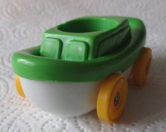 Vintage 1970's Fisher Price Little People Green Boat on Wheels/Vehicle
