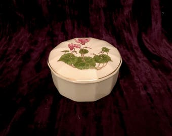Collectible Porcelain Otagiri Floral Motif Lidded Trinket Box