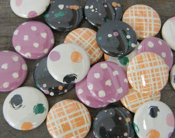 "Lot of 4 badges 1 ""Collection brush stroke"