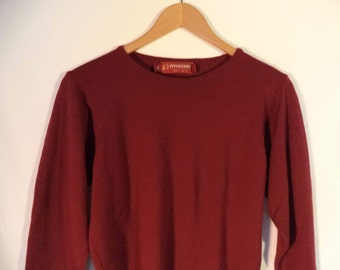 Pitlochrey Knitwear UK basic sweater// 90s minimalist simple maroon wool pullover// Women's size xs and small