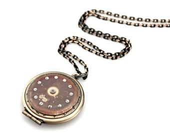 Clockpunk Locket - Industrial Locket - Clockworks Photo Locket Pendant - Picture Locket Necklace - Locket Pendant - Watch Parts Pendant