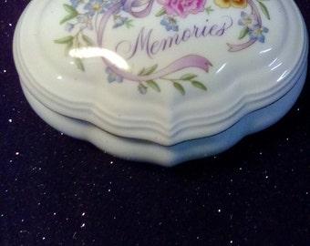 Vintage 1989 Avon Music Ceramic Box
