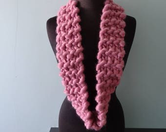 Chunky Wool Scarf in Dusty Pink