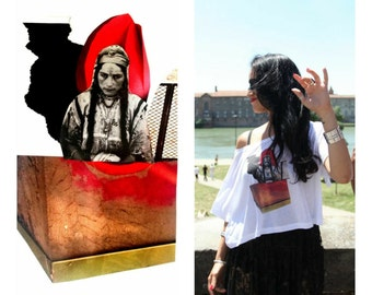 Arabic woman Artshirt: CropTop, high quality/bioethics/hypoallergenic Tencel signed/numbered pieces, Mina is a size M.