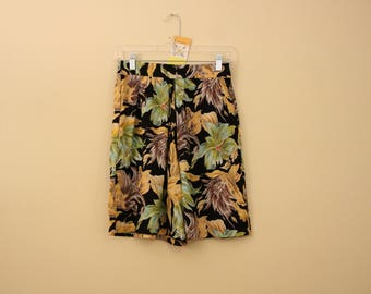 Vintage Hawaiian Shorts *Flat Rate Shipping* [Cute Vintage Shorts Women's Size Small] 26 inch waist