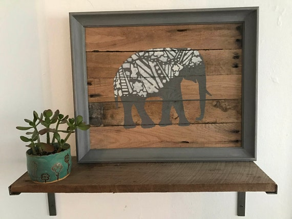 Elephant Pallet Wall Hanging. Rustic Pallet Wall Art. Re-Purposed Art. Rustic Decor. Wildlife Picture. Wall Hanging. Home and Living.