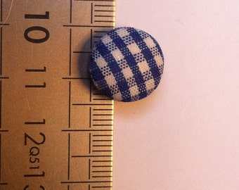 Batch covered buttons gingham fabric