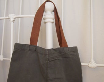 Small Market Tote in Olive