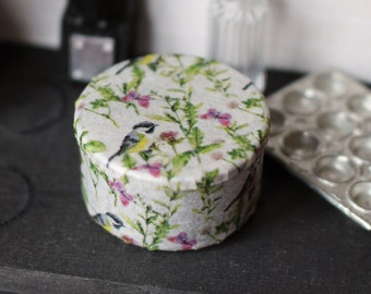 Dolls House Miniature Bird Biscuit tin 12th scale