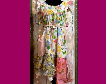 SALE! Size 20-26 Plus Size Country Print Dress: loose ruffled, sun dress, upcycled, retro repurposed vintage sheets, big pocket