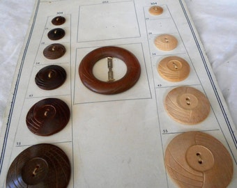 Lot of VINTAGE Carved Sew Thru Wood & A Buckle Salesman Sample Card BUTTONS