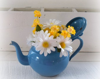 Small French Blue Enamel Teapot with Daisies Made in Yugoslavia Number 12  Shabby Home Decoration  3 Cup Teapot