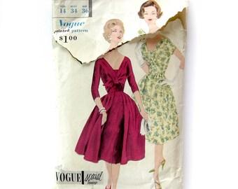 1959 Vintage Vogue Sewing Pattern - Vogue Special Design 4011 - Full Skirt DRESS - One Piece Dress with Deep V Neckline / Size 14