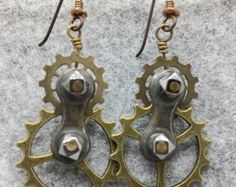 Gearrings with Triangular Sprockets and Bicycle Chain Links