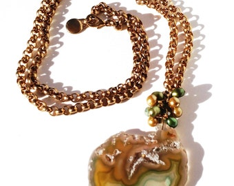 Semi precious Agate Slice on vintage gold tone chain with freshwater pearls handmade pendant necklace