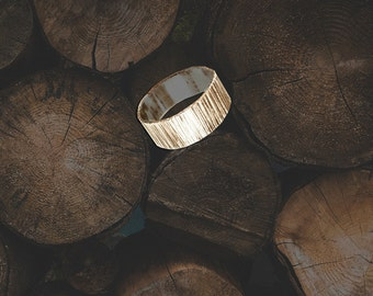 Tree Bark 14K Yellow Gold Wedding Band, Handmade Wedding Ring, 6mm Wide Gold ring - 14k Gold Ring , Mens Wedding Ring, Carved into Wood Ring