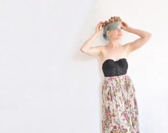 boho hippie floral skirt . natural garden colors . high waist maxi .small.medium