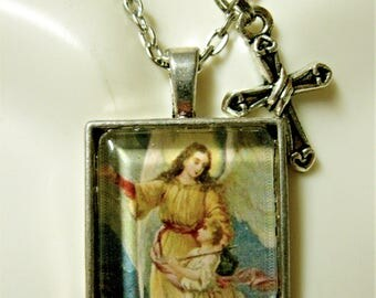 Guardian angel pendant and chain - AP28-042