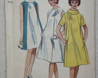 """sz 16 Bust 36"""" UK Printed  Vintage Butterick 60's  Sewing Pattern 3111 Swingy A-Shaped Dress with Cowl Neck For Maternity or Beach"""