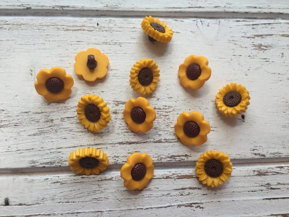 Sunflower Buttons, Packaged Novelty Buttons Style #4624 by Buttons Galore, Shank Back Buttons, Embellishments