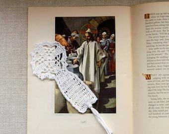 Crochet Cross Bookmark, Easter Lace Bible Bookmark, Spiritual Art, Catholic Symbol of Faith, Baptism, First Communion Gift, Religious Cross