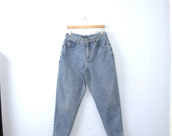 Vintage 90's high waisted jeans, mom jeans, tapered leg, size 14