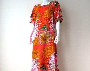 Vintage Hawaiian Print Maxi Dress/Hawiian Floral Print Caftan/Casual Ceire/Tropical Flowers Caftan/Medium