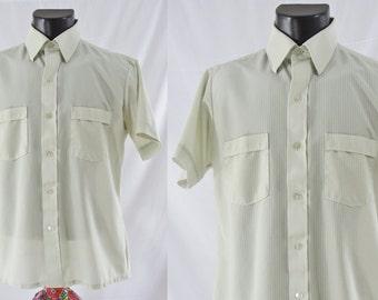 SALE Vintage Seventies Men's Shirt - 1970's Men's Short Sleeve Button Down - 70s Pale Green Shirt - Large / XL