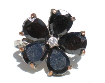 Black Glass Flower Ring with Rhinestone Center on Silver Tone - Size 8 Vintage Jewelry