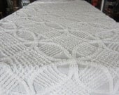 "White Chenille Bedspread - Full / Queen Size - Wedding Ring Circle Design with Fringe - Lightweight Coverlet Bedspread - 90"" x 102"""