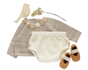 Knitted baby set. Sweater and diaper cover. Latte and off white. Felt flowers. 100% wool. READY to Ship size 0-3 months